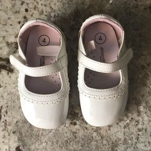 🎀4/$15 Genuine Kids White Shoes Baby Girl Size 4